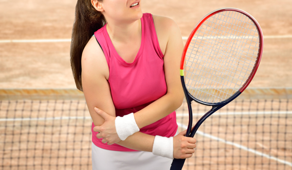 肘 すると テニス 無理