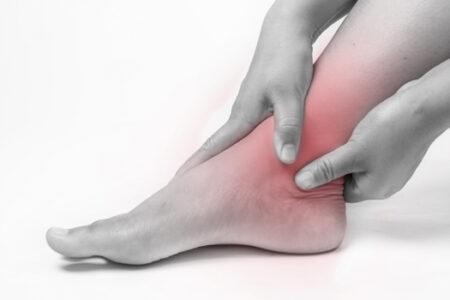 足首のねんざ(足関節捻挫)